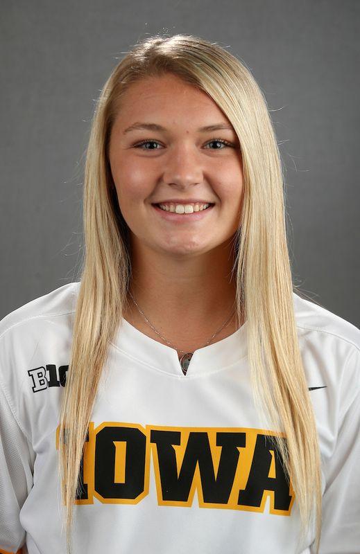 Zoe Schulte - Softball - University of Iowa Athletics