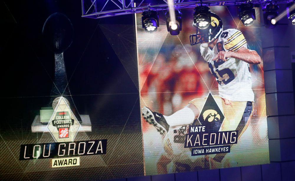 Nate Kaeding presents the 2019 Lou Groza Award