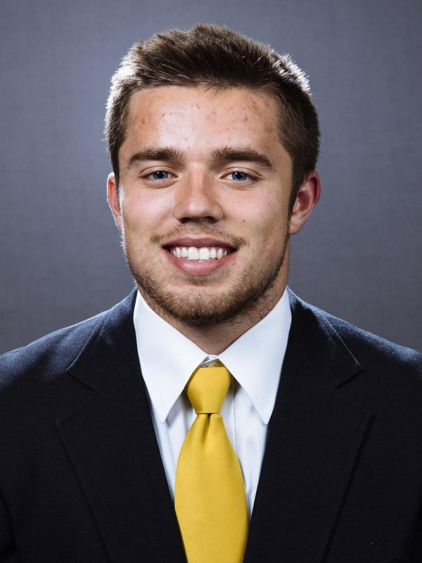 Nick Easley - Football - University of Iowa Athletics