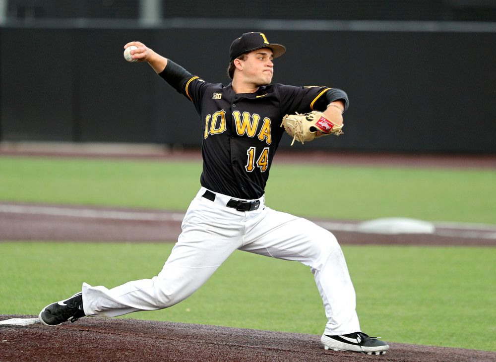 Iowa pitcher Jake Zaetta (14) delivers to the plate during the fifth inning of the first game of the Black and Gold Fall World Series at Duane Banks Field in Iowa City on Tuesday, Oct 15, 2019. (Stephen Mally/hawkeyesports.com)