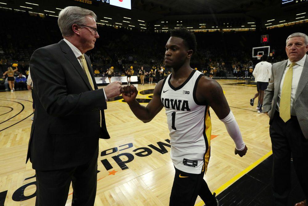 Iowa Hawkeyes head coach Fran McCaffery and guard Joe Toussaint (1) against Oral Roberts Friday, November 15, 2019 at Carver-Hawkeye Arena. (Brian Ray/hawkeyesports.com)