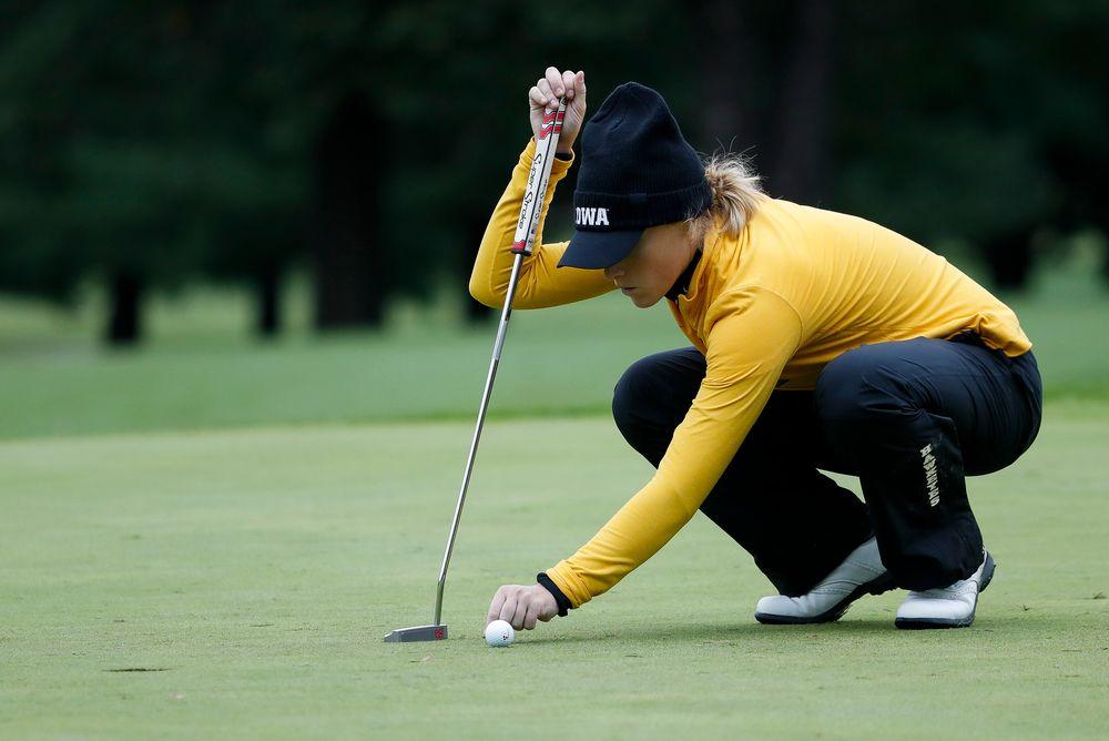 Iowa's Kristin Glesne lines up a putt during the Diane Thomason Invitational at Finkbine Golf Course on September 29, 2018. (Tork Mason/hawkeyesports.com)