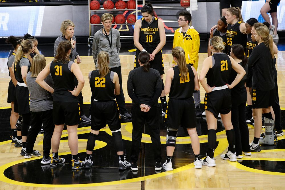 Iowa Hawkeyes head coach Lisa Bluder talks with her team at a practice during the 2019 NCAA Women's Basketball Tournament at Carver Hawkeye Arena in Iowa City on Saturday, Mar. 23, 2019. (Stephen Mally for hawkeyesports.com)