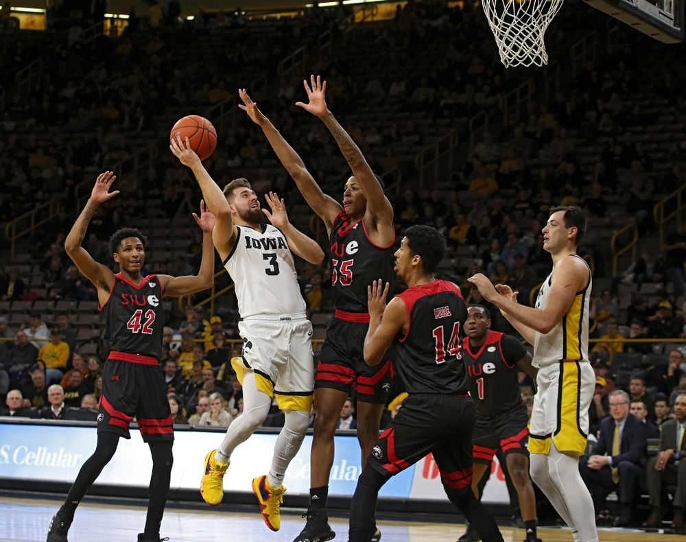 Iowa Hawkeyes guard Jordan Bohannon (3) hooks in a basket during the second half of their game at Carver-Hawkeye Arena in Iowa City on Friday, Nov 8, 2019. (Stephen Mally/hawkeyesports.com)